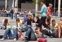 Bislang drohen Langzeitstudenten in Brandenburg keine Gebühren, trotzdem ist es nicht empfehlenswert, zu bummeln. Foto: Max Braun / flickr (CC BY-SA 2.0)