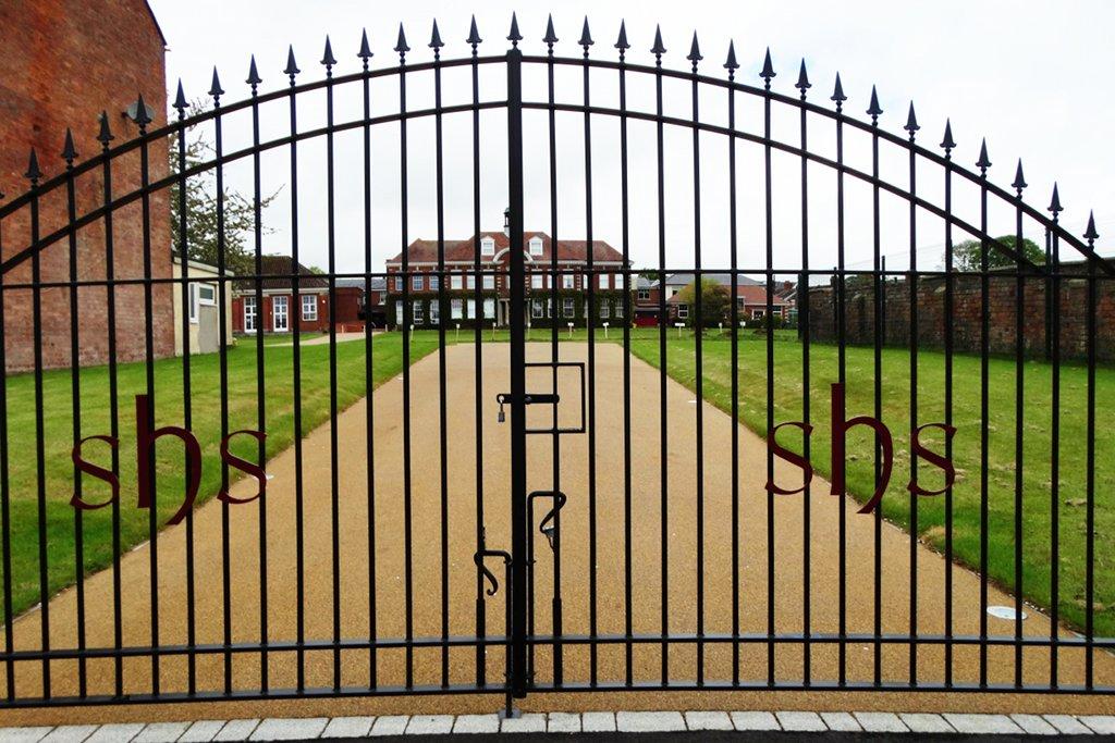 Privatschulen als elitäre, geschlossene Gesellschaften – da ist eigentlich das Grundgesetz vor. Foto: bazzadarambler/flickr (CC BY 2.0)