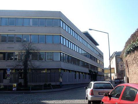 Das Auguste-Viktoria-Gymnasium in Trier hat Erfahrung im Umgang mit Flüchtlingskindern. Foto: Martin / Wikimedia Commons (CC BY-SA 2.0)