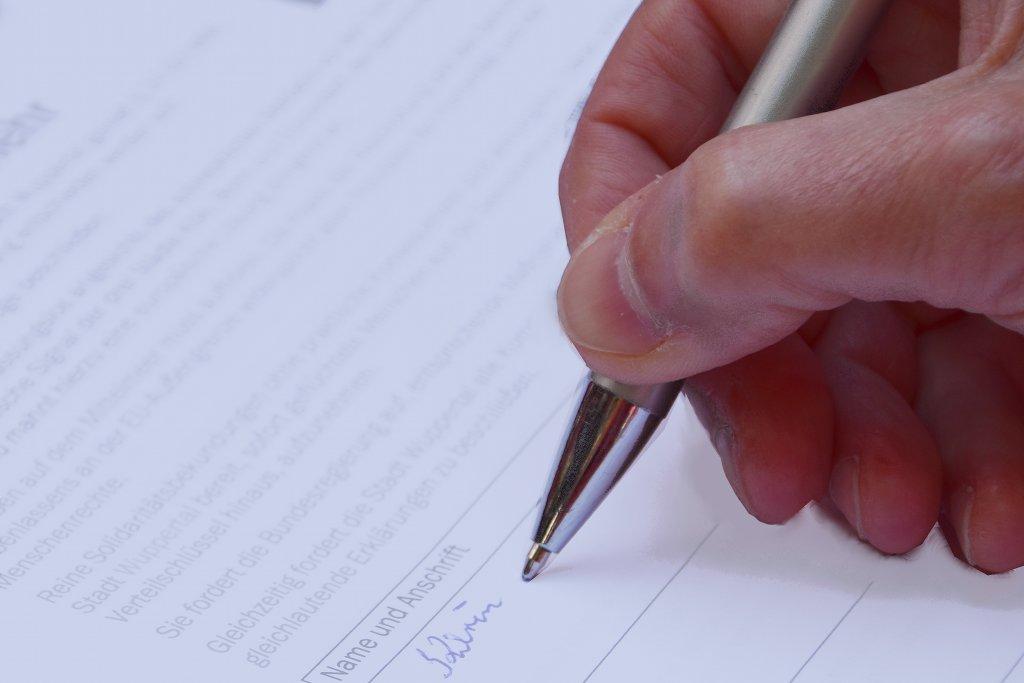"""Die """"Liga der freien Wohlfahrtspflege"""" sammelt Unterschriften zum Ausbau der Schulsozialarbeit in Sachsen-Anhalt. Foto: Stefan Kottas / flckr (CC BY 2.0)"""