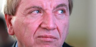 Darf sich über schulpolitische Debatten mit dem künftigen Koalitionspartner freuen: Hessens Ministerpräsident Volker Bouffier. Foto: Armin Kübelbeck / Wikimedia Commons