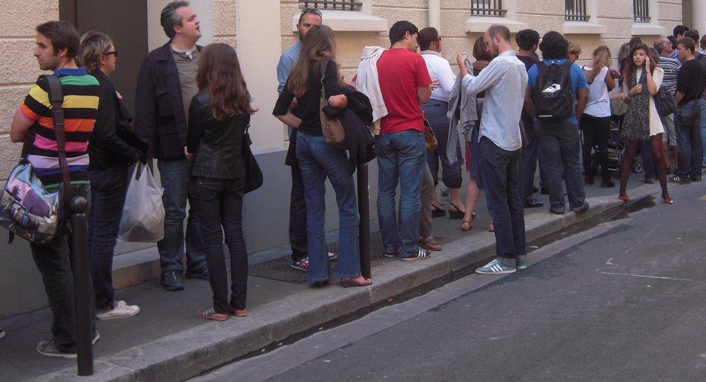 Einen solchen Andrang hatte wohl niemand erwartet: Hunderte Eltern standen am Samstag vor einer geplanten Kita in Leipzig Schlange um eine Interessenbekundung abzugeben. (Symbolbild). patrick janicek / flickr (CC BY 2.0)
