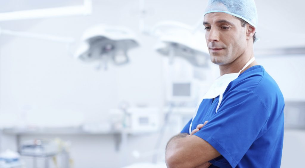 Trotz Neuregelung der Hochschulzulassung: Auch in Zukunft wird es in Deutschland nicht leicht, Arzt zu werden. Foto: Free-Photos / pixabay (CC0 Creative Commons)