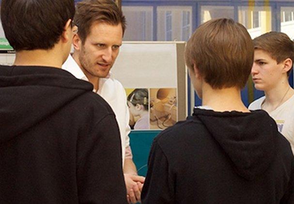 """Ein Lehrer muss das Feuer für seine Fächer und den """"pädagogischen Eros"""" in sich haben, wenn er seine Schüler erreichen will. Foto: Universität Salzburg (PR) / flickr (CC BY 2.0)"""
