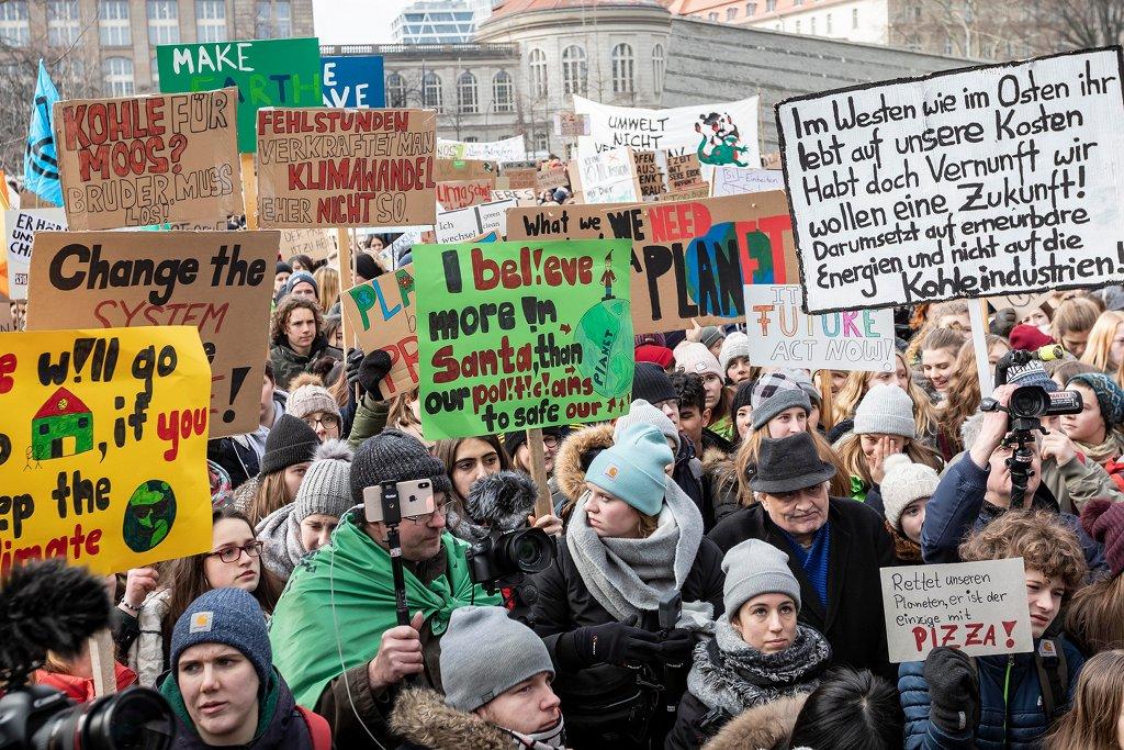 Fridays-for-futre-Demonstration am 25. Januar in Berlin. Am Freitagmorgen waren rund 300000 zumeist jugendliche Demonstranten auf die Straße gegangen. Foto: FridaysForFuture Deutschland / flickr (CC BY 2.0)