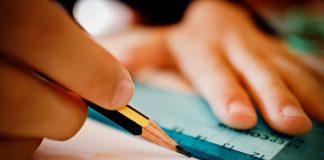 Die Anforderungen an junge Menschen in Schule und Berufsleben unterscheiden sich deutlich. Das hat nachhaltigen Einfluss auf die Persönlichkeitsentwicklung. Foto: sweetlouise / Pixabay (CC0 1.0)