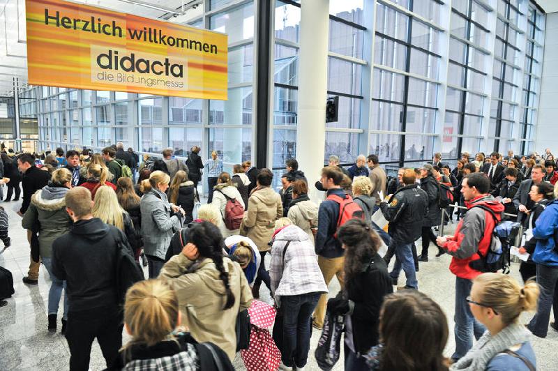 """Zur """"didacta"""" in Hannover werden bis zu 100.000 Besucher erwartet - die meisten davon Lehrer. Foto: Koelnmesse Bilddatenbank"""