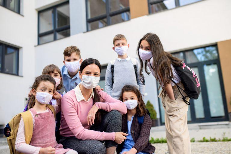 """Beamtenbund: Schulen und Kitas sind """"keine sicheren Orte"""" – ohne Luftfilter, Maskenpflicht und PCR-Tests"""