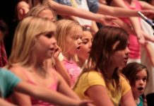 Gemeinsames Singen hat viele positive Effekte. Foto: SupportPDX / flickr (CC BY 2.0)
