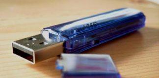 Der unscheinbare Stein des Anstosses ist ein simpler USB-Stick. (Foto: urulaia/pixelio)